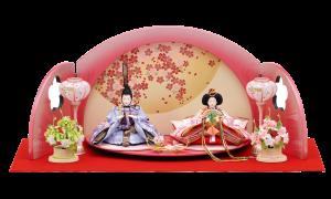【小 桜】 優雅に広がる台屏風は、折りたたみ式でコンパクトに収納できます。大きく飾って小さくしまえる親王飾りです。