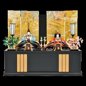 【京絵巻】 一際目を惹く豪華絢爛な屏風の収納飾りです。