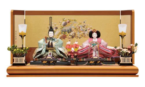 【宝 仙】 金彩友禅で柄付けされた屏風。親王は京友禅ローケツ染に筒書刺繍の逸品。