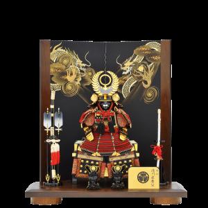 【金彩龍家康公鎧】 正絹赤糸威しの家康公鎧飾り。 低床台ながら、背高屏風の左右に金彩龍が描かれており大迫力。