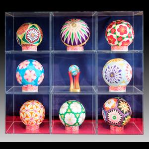 【伝承工芸手造り鞠 各種】 お好きな鞠をお選びいただけます。手造り鞠はケースから取り出せます。
