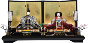 【咲 良】 龍村美術織物を使用した親王飾り。金箔屏風がお人形をより雅やかに引き立てます。
