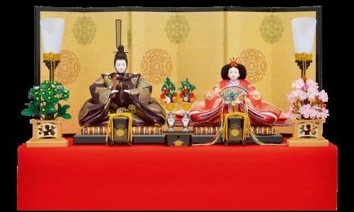 【高 倉】  帯地丸紋柄の本装仕立て屏風と、本金蒔絵の施された伝統工芸駿河雛具を使用した高雅な雛飾り。